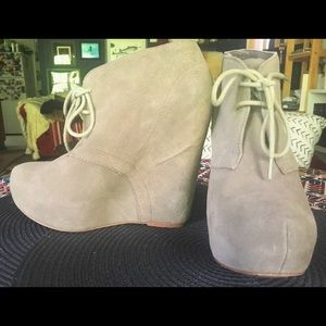 Steve Madden Annnie Taupe Ankle Boots sz 8M